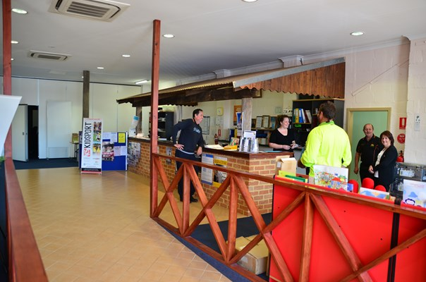 Shire Offices - Morawa1063
